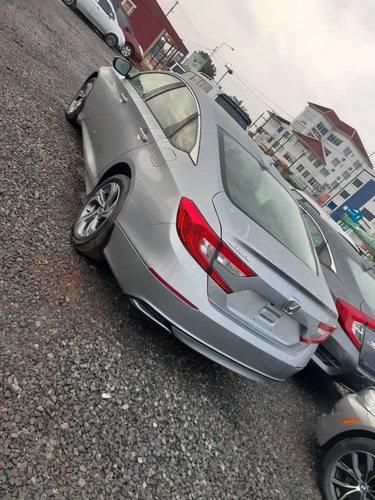 Honda Accord EXL - Brabeton