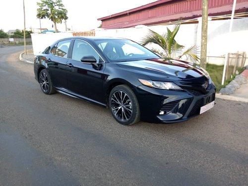 Toyota Camry XLE - Brabeton