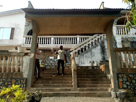 11 bedroom house at Eguase near Cape Coast Brabeton