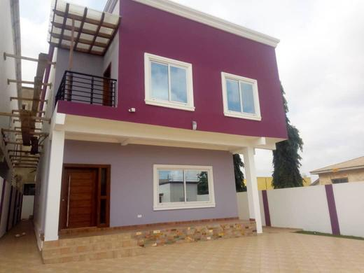 3 bedrooms house with 1 out house at east legon mempesem 1 » Brabeton » The People's Marketplace » 06/08/2021