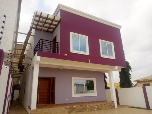 3 bedrooms house with 1 out house at east legon mempesem 11 » Brabeton » The People's Marketplace » 06/08/2021