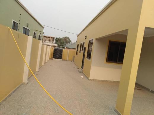 Very Executive 3bedroom House for Sale at Abokobi6 » Brabeton » The People's Marketplace » 25/01/2021