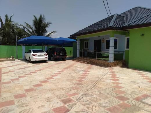 well designed and furnished executive 4bedroom detached house located at oyarifa in the Adenta 2 » Brabeton » The People's Marketplace » 19/10/2020