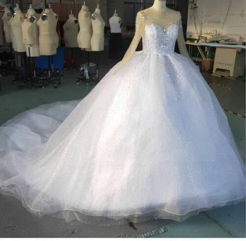 Modern Wedding Dress - Brabeton